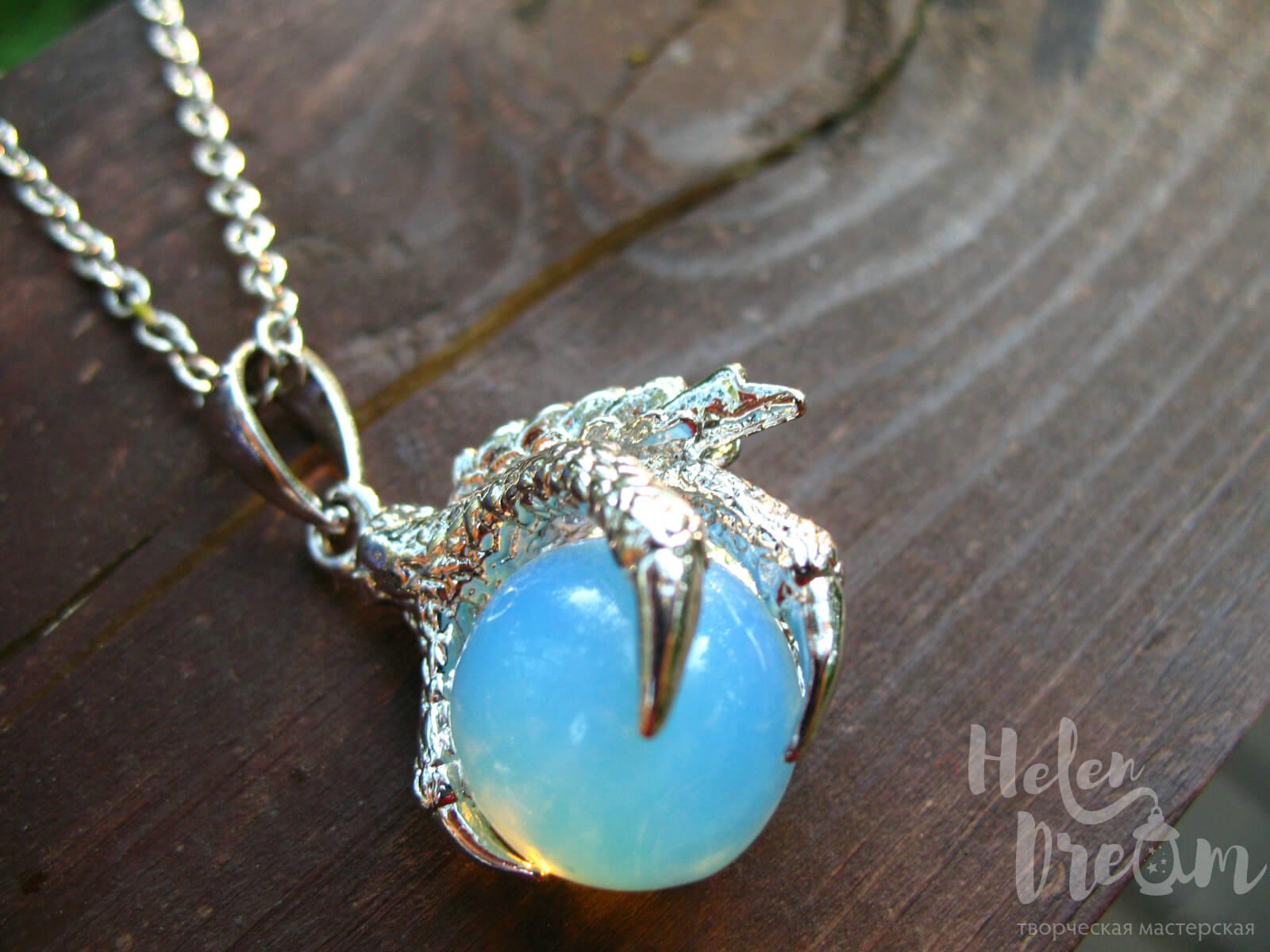 Кулон дракон лунный камень