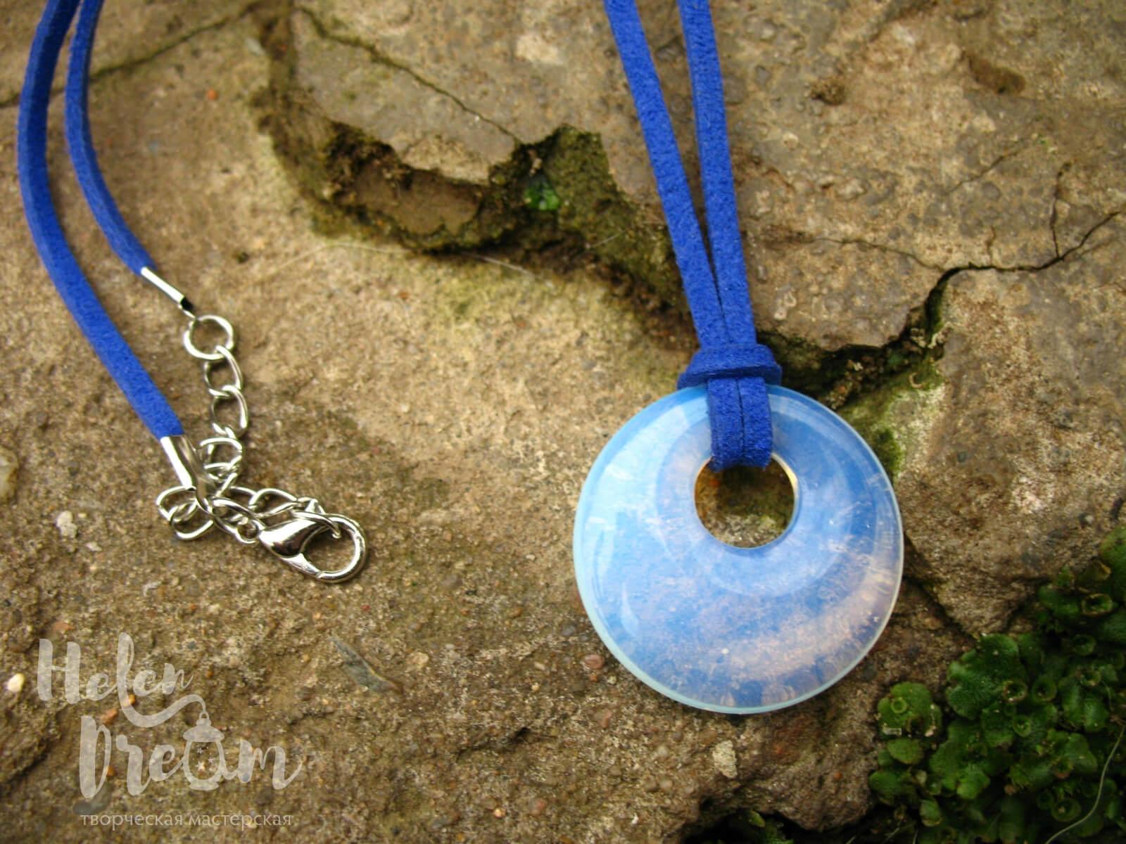 кулон круг лунный камень